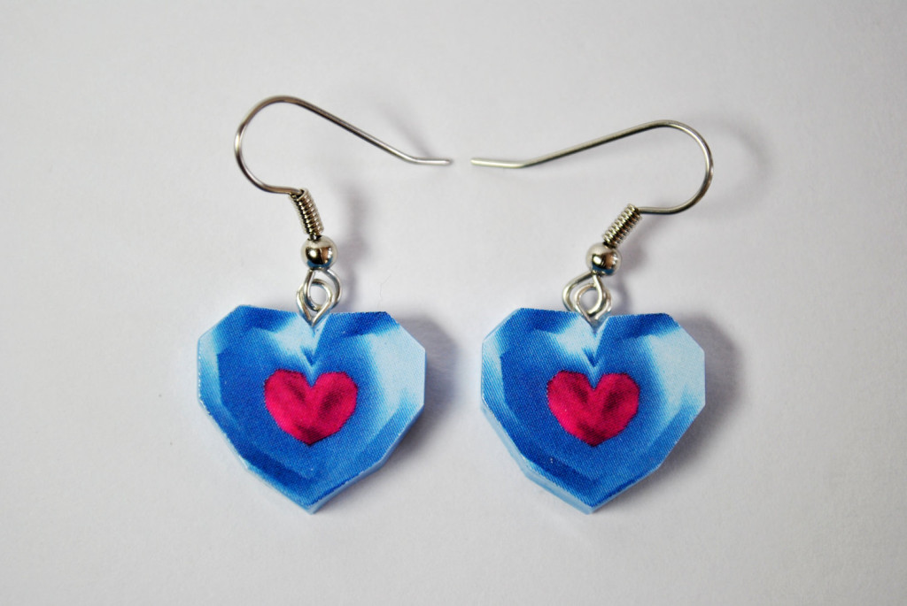 Oh My Geekness Collection: Legend of Zelda Heart Earrings