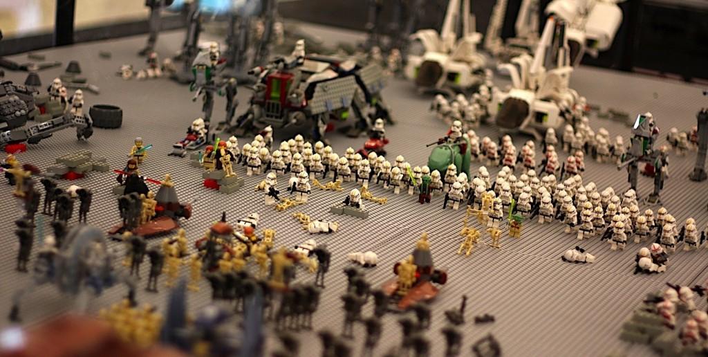Massive LEGO Star Wars battlefield
