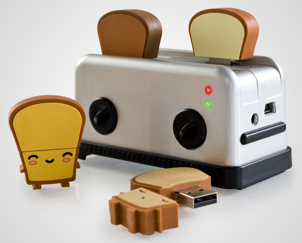USb Toaster Hub with Toast