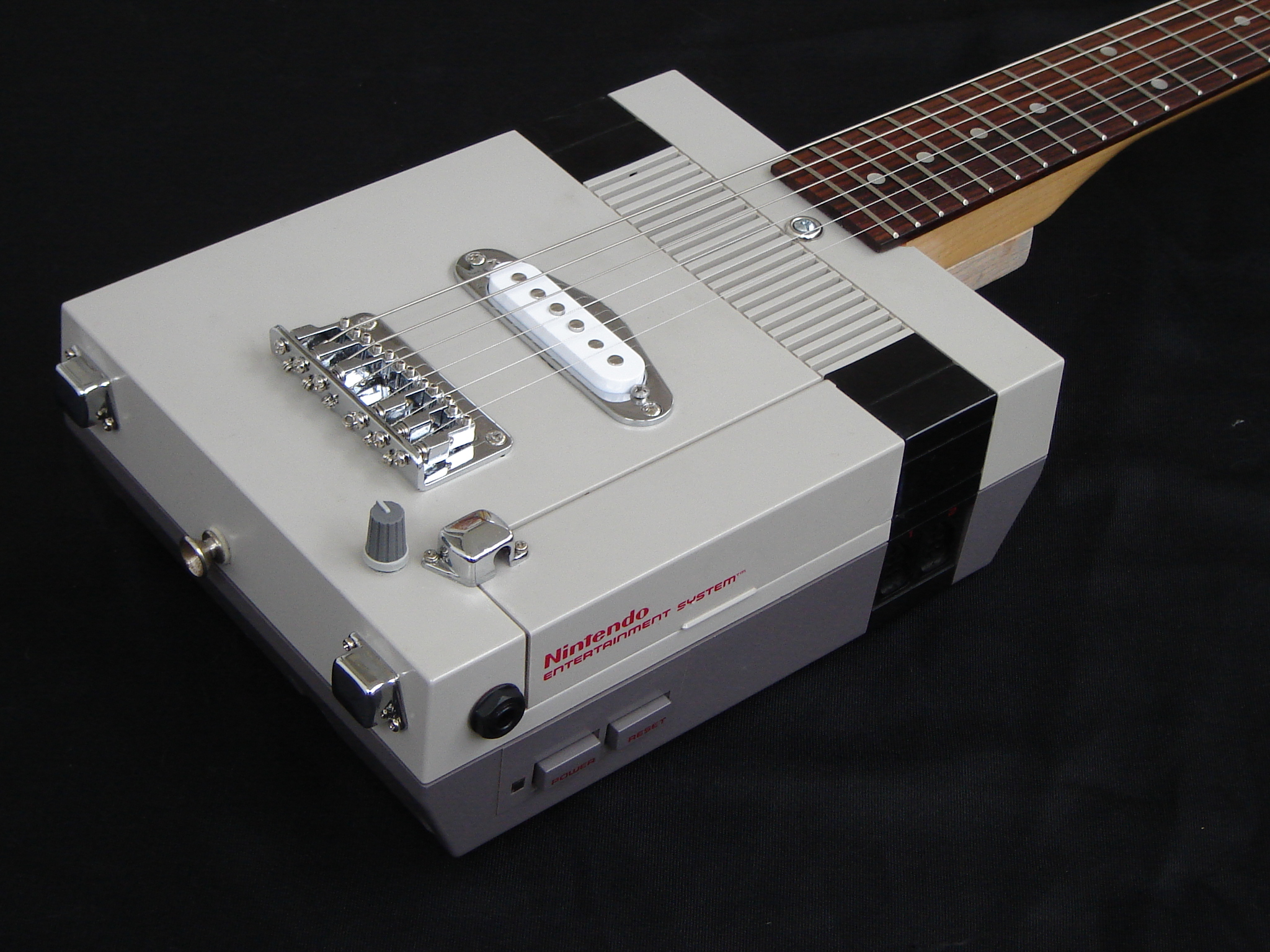 15 of the Coolest NES System Mods