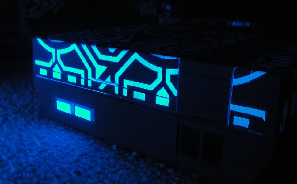 Tron case mod glowing