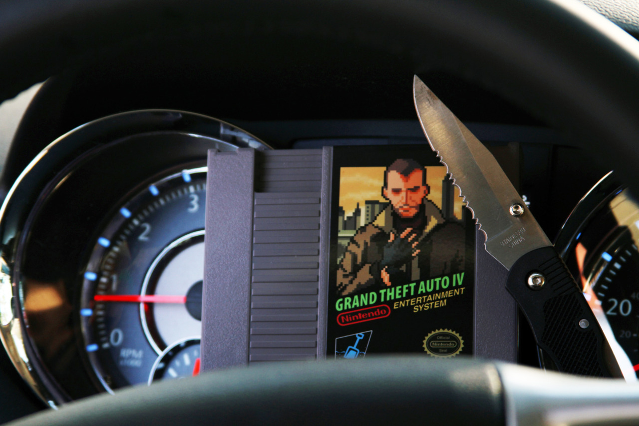 Grand Theft Auto IV in car