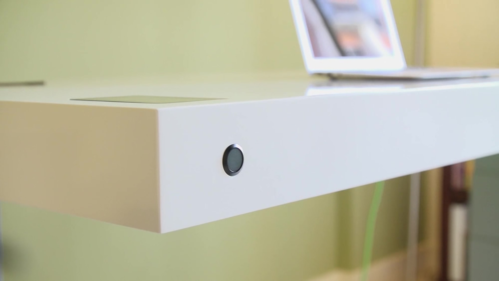 Stir Kinetic Desk-button