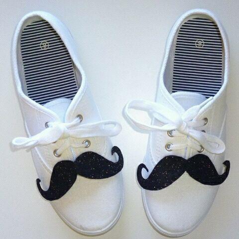 mustache_shoes