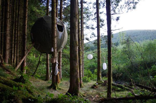 Survival Gear: Tree Tent