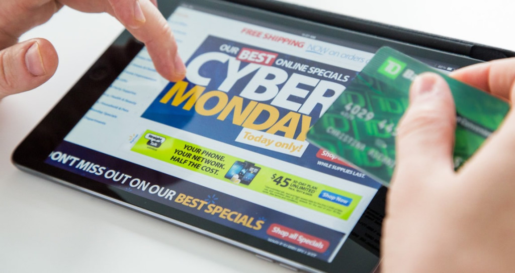 Cyber-Monday-Shopping